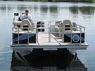 Retracted 18' Island Boat Pontoon Boat