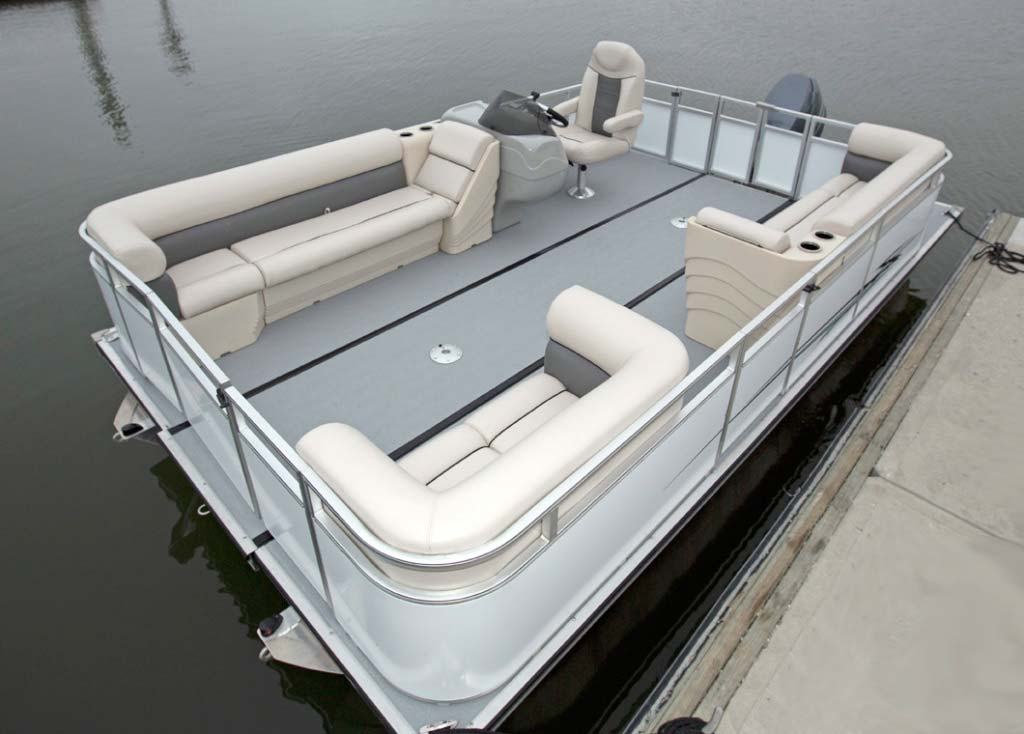Expanded 18' Island Boat Pontoon Boat